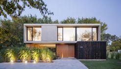 Casa MF / Estudio V2 Arquitectos