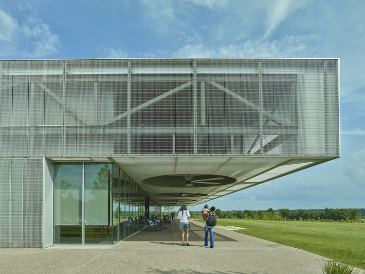Heart of the Park Buildings at Shelby Farms Park / Marlon Blackwell Architect + James Corner Field Operations, © Timothy Hursley