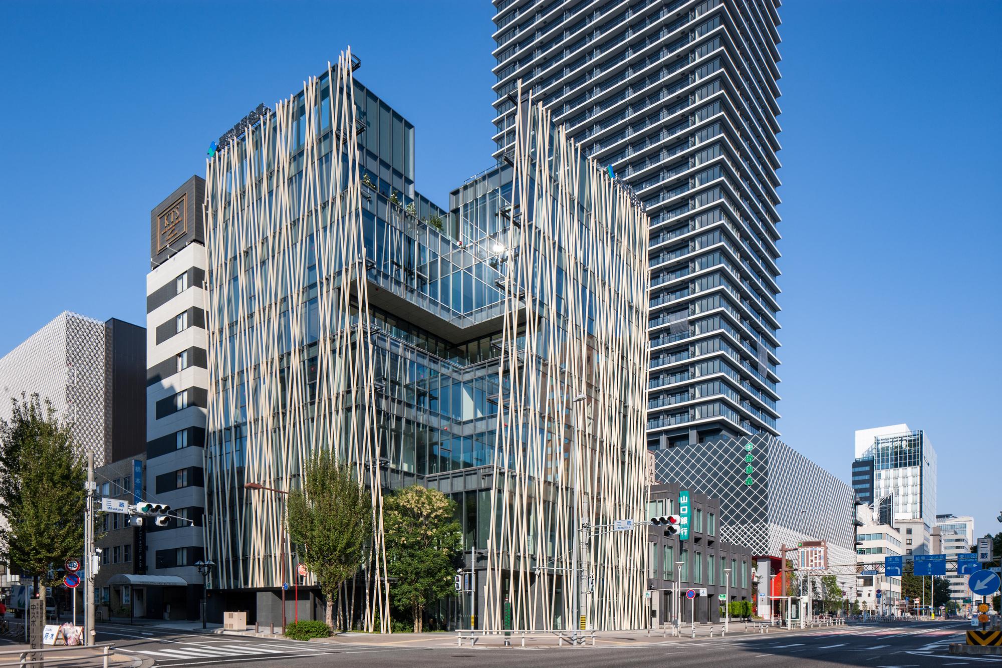 Hekikai Shinkin Bank Misono / Kengo Kuma and Associates