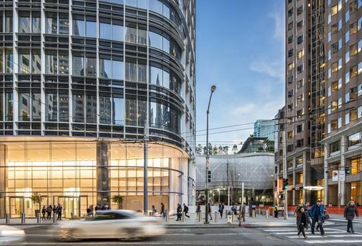 Salesforce Tower / Pelli Clarke Pelli Architects © Vittoria Zupicich