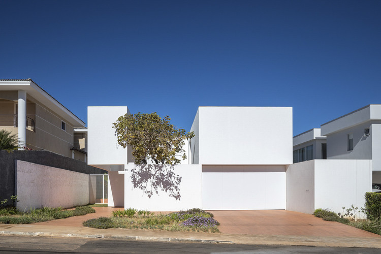 Casa Morrone / Bloco Arquitetos, © Haruo Mikami