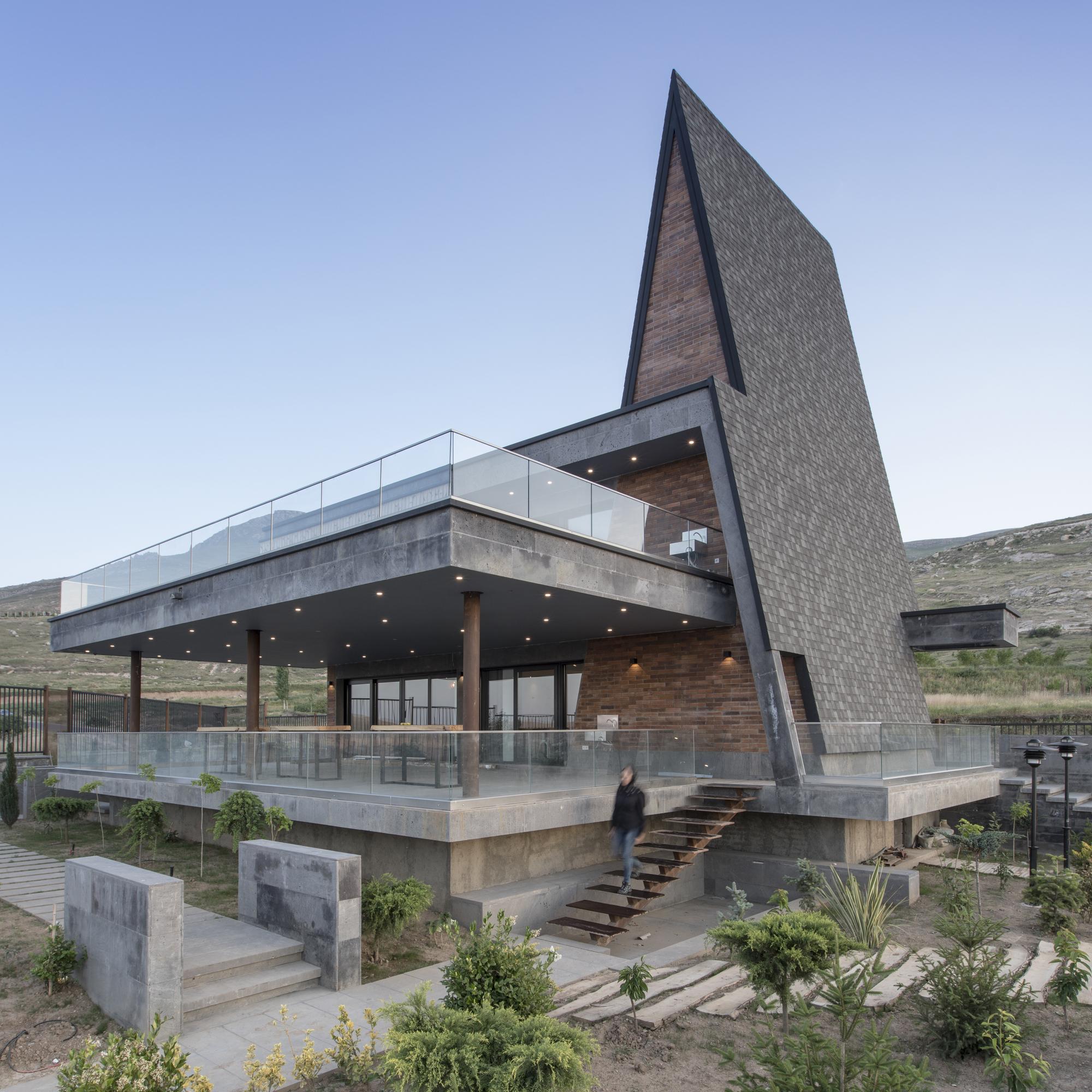 Magush Villa / White Cube Atelier