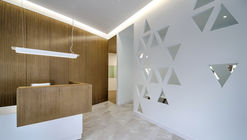 SALA CLINIC - Instituto Odontológico / Iván Cotado Diseño de Interiores