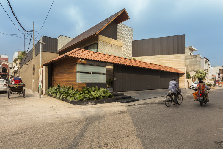 Una casa india moderna / 23DC Architects, © Purnesh Dev Nikhanj