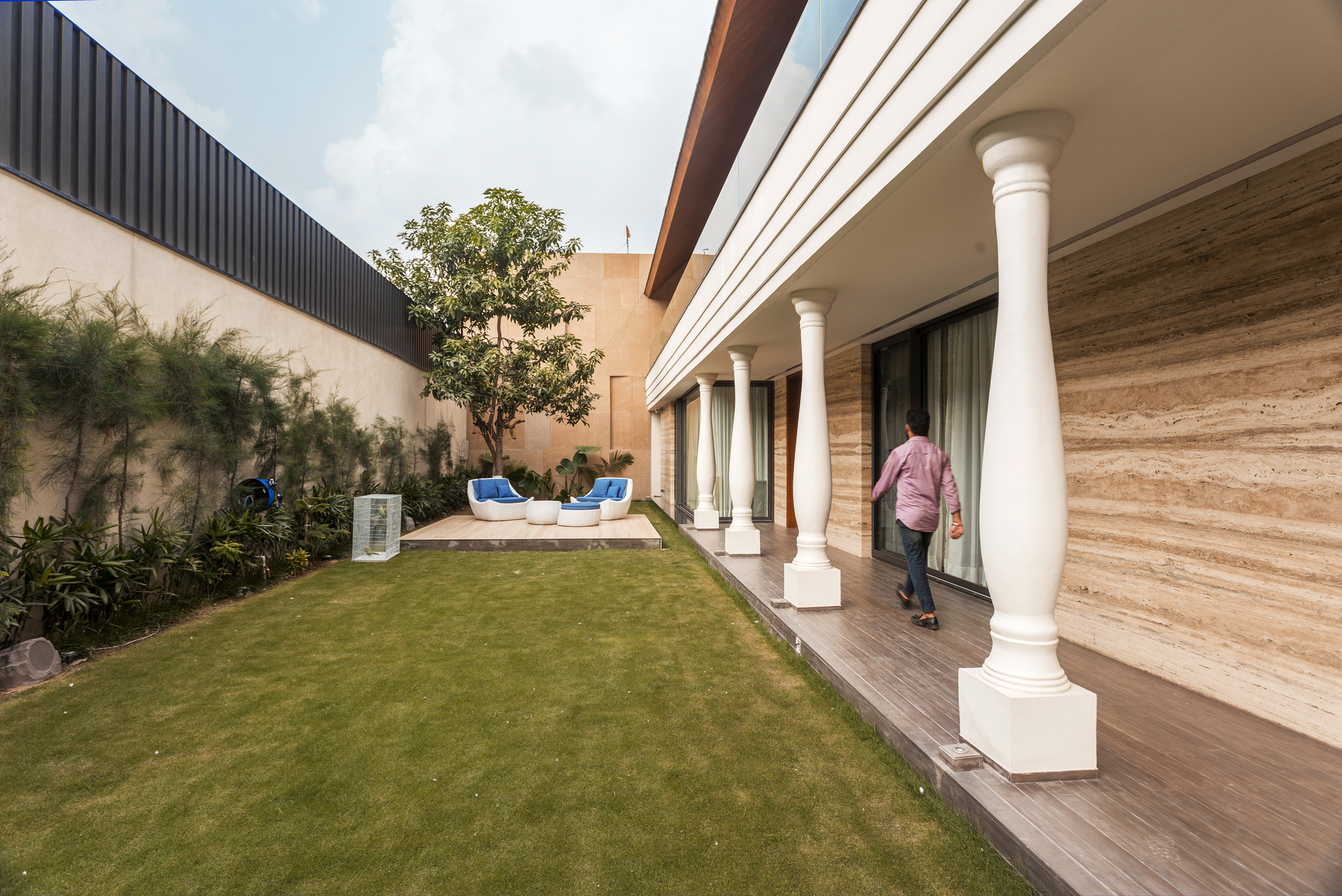 Gallery of An Indian Modern House / 23DC Architects - 2