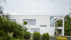Family House in the Slope / Masparti Martinka Spusta Architekti