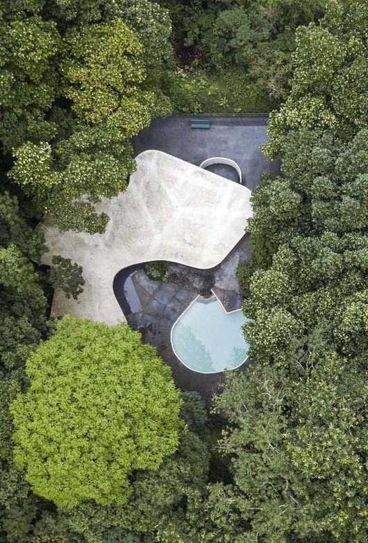"""Arquitetura do Brasil, representada por Brasília, é """"melancólica, feia e desumana"""" Presskit_INFINITO_português"""