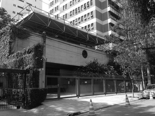 Morlan Office in Sao Paulo / Eduardo de Almeida. © Cesar Shundi Iwamizu