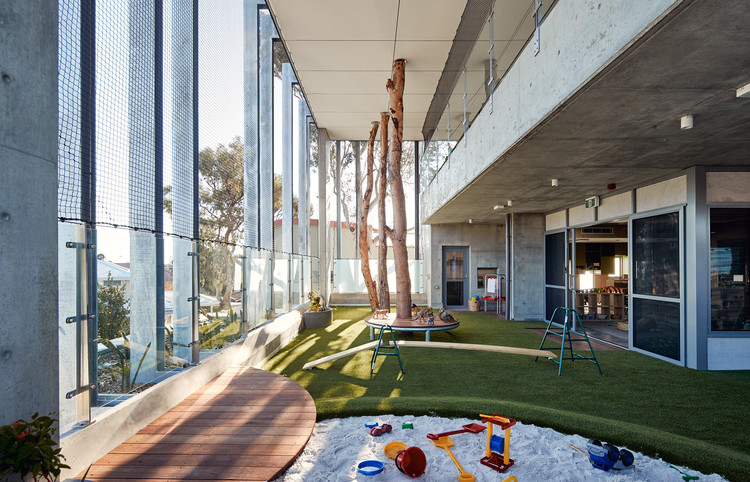 SkyPlay: North Perth School of Learning / Tom Godden Architects & Matthew Crawford Architects, © Peter Bennetts