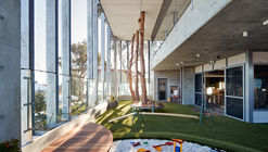 SkyPlay: North Perth School of Learning / Tom Godden Architects & Matthew Crawford Architects