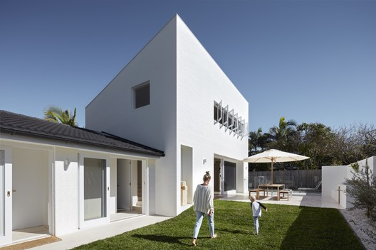 House Burch / THOSE Architects