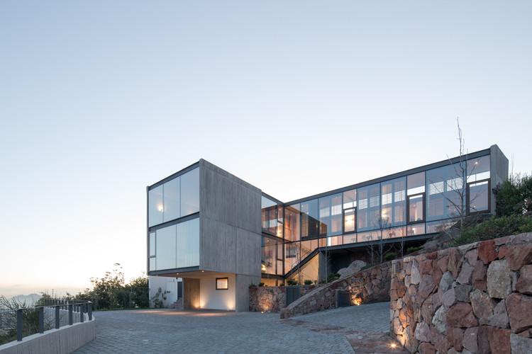 Casas Vía Aurora / Schmidt Arquitectos, © Nico Saieh