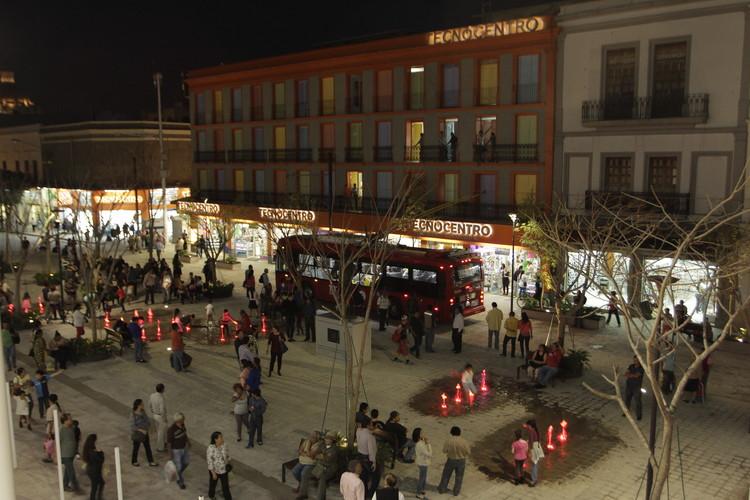 Proyecto urbano transforma la Plazoleta Amo Torres en Guadalajara, © Carlos Díaz