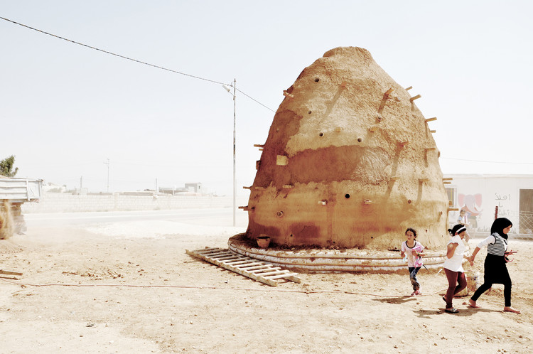 World Architecture Day 2018: Our Editors Celebrate with their Favorite Stories and Projects, 100 Classrooms for Refugee Children / Emergency Architecture & Human Rights. Image © Martina Rubino