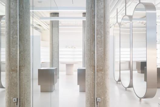 Zalando Beauty Station / Batek Architekten