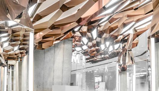 Ceiling_detail. Image © Zhuoying Ren