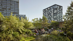 Jardín en el techo de Toni Areal  / Studio Vulkan Landscape Architecture