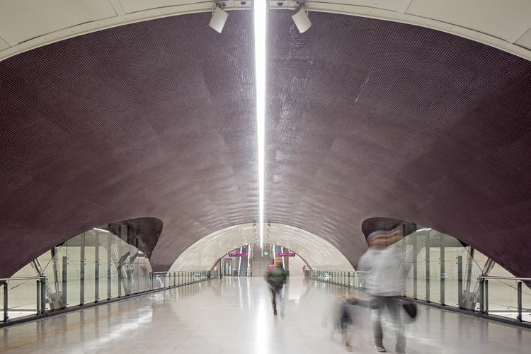 Line 6 Santiago Metro Stations / IDOM, © Nico Saieh