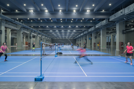 The exhibition hall has become the town's 'sports warehouse'. Image © Lianping Mao
