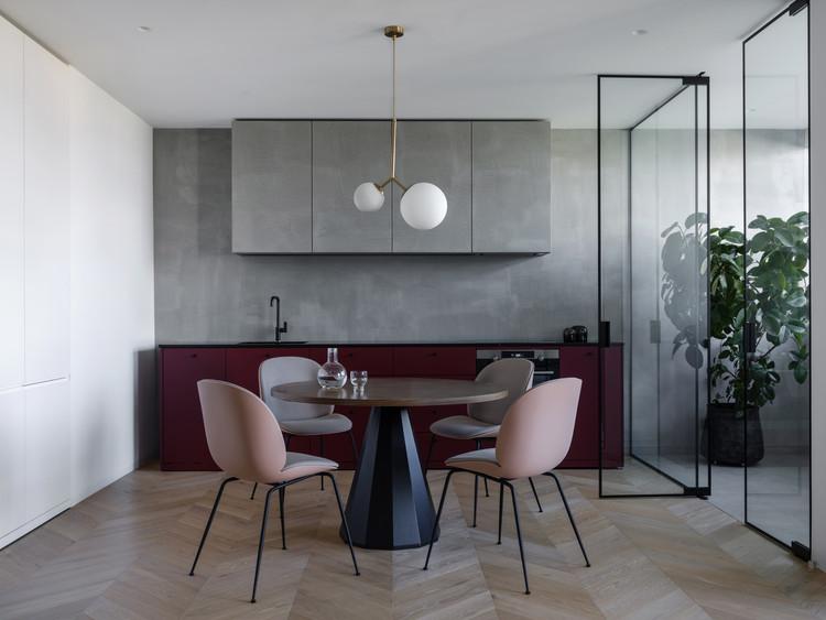 Puce Apartment / Iya Turabelidze studio, © Mikhail Loskutov