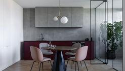 Puce Apartment / Iya Turabelidze studio