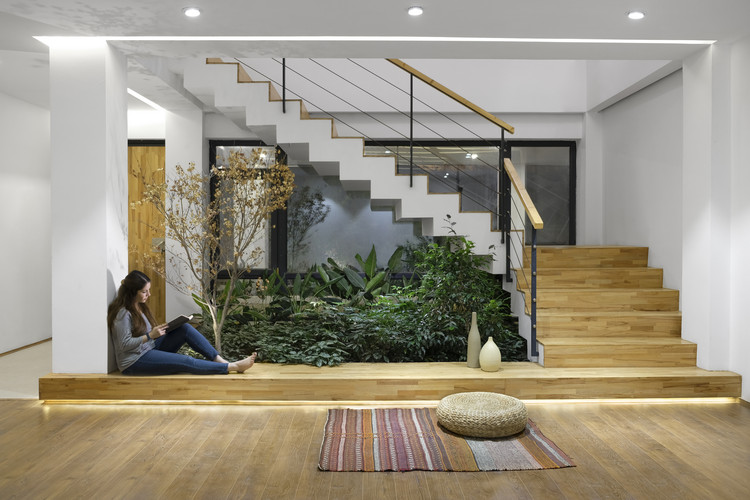 Courtyards Villa / Maena Architects, © Negar Yaghmaian - Pegah Abdolahian