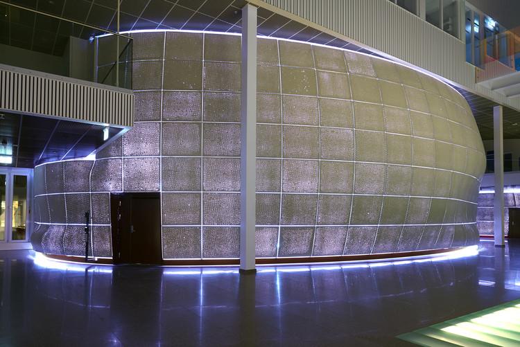 Instalação de concreto e plástico bolha conforma espaço com qualidades acústicas únicas, © Per Lundström