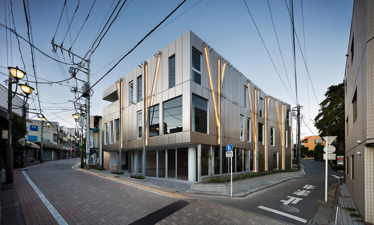 Kugayama South Gate Building / Ryuichi Sasaki / Sasaki Architecture, © Takumi Ota