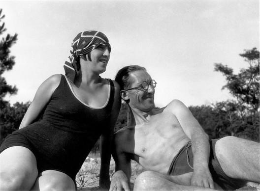 Le Corbusier & Yvonne Gallis. Image © The Foundation Le Corbusier / FLC ADGAP