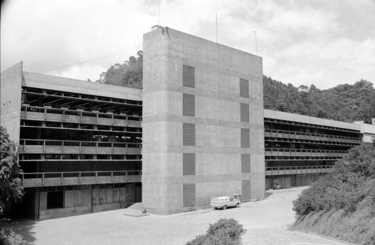Livro resgata a memória do arquiteto Hans Broos e sua contribuição à arquitetura brasileira, Cia Hering Matriz - edifício da Nova Costura. Image Cortesia de Acervo Hans Broos