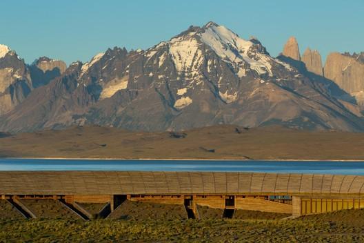 Hotel Tierra Patagonia / Cazú Zegers. Image © James Florio