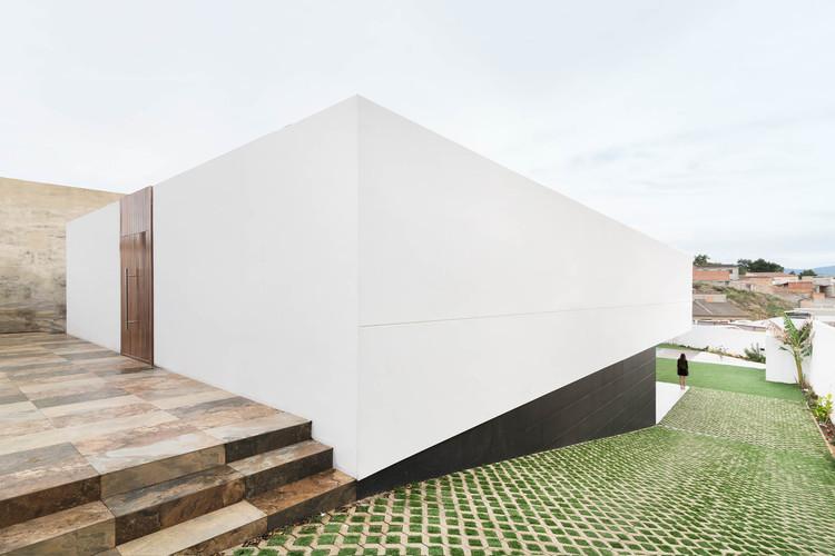 Buganvilla House / Ruben Muedra Estudio de Arquitectura, © Adrian Mora Maroto