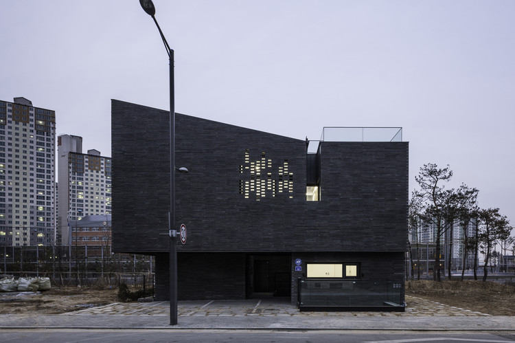 DP9131 House / skimA, © Hyosook Chin