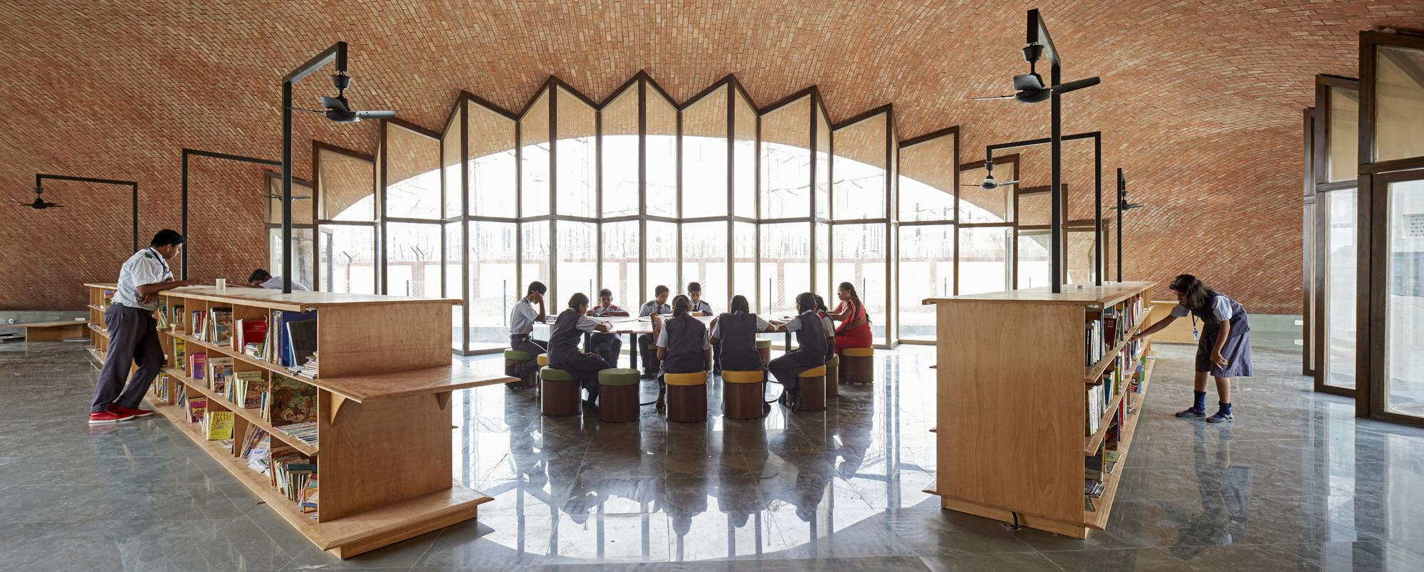 Gallery of Maya Somaiya Library, Sharda School / Sameep Padora & Associates - 2