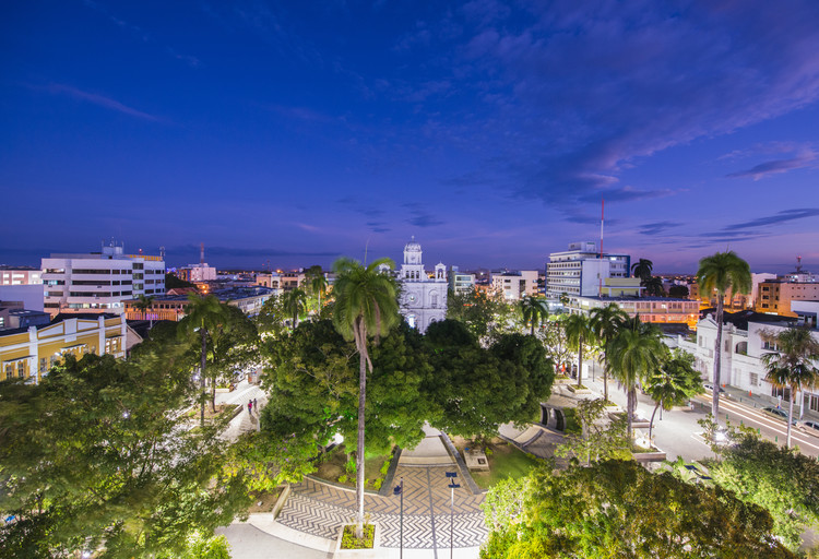 Por cuarto año consecutivo, ciudad colombiana es premiada por sus proyectos sostenibles, Plaza Simón Bolívar, Montería, Colombia. Image © Óscar Garcés | Shutterstock