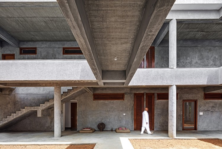 wood and concrete impressive examples in indian architecture