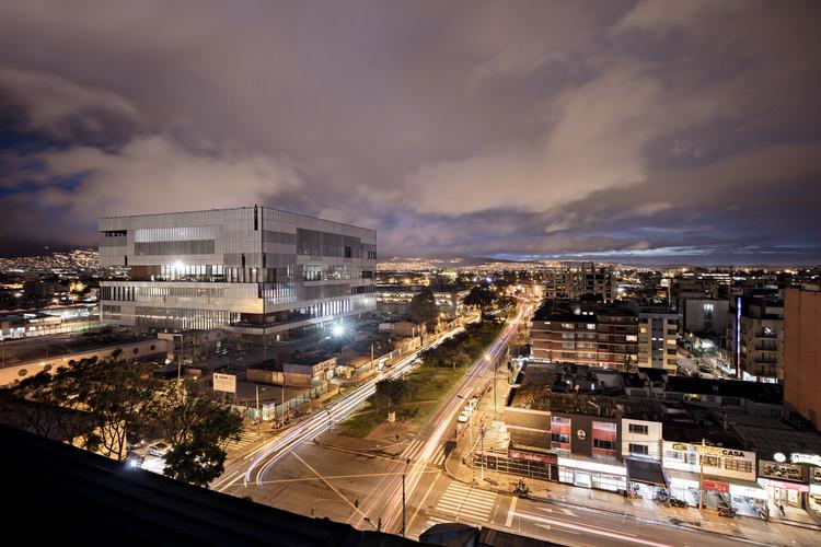 Primer Lugar en la categoría proyecto arquitectónico: Ágora Bogotá Centro de Convenciones / Bermúdez Arquitectos + Estudio Herreros. Image © Enrique Guzmán