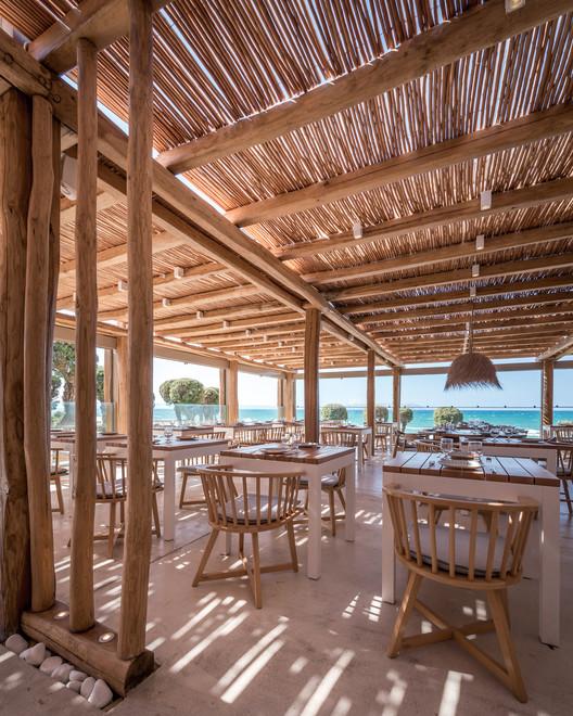 Mitsis Rinela Beach Resort & Spa / Elastic Architects
