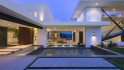 Benedict Canyon / Whipple Russell Architects