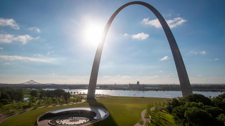 Getty Foundation Announces Grants for Architectural Conservation of 11 Modern Buildings, Gateway Arch / Eero Saarinen