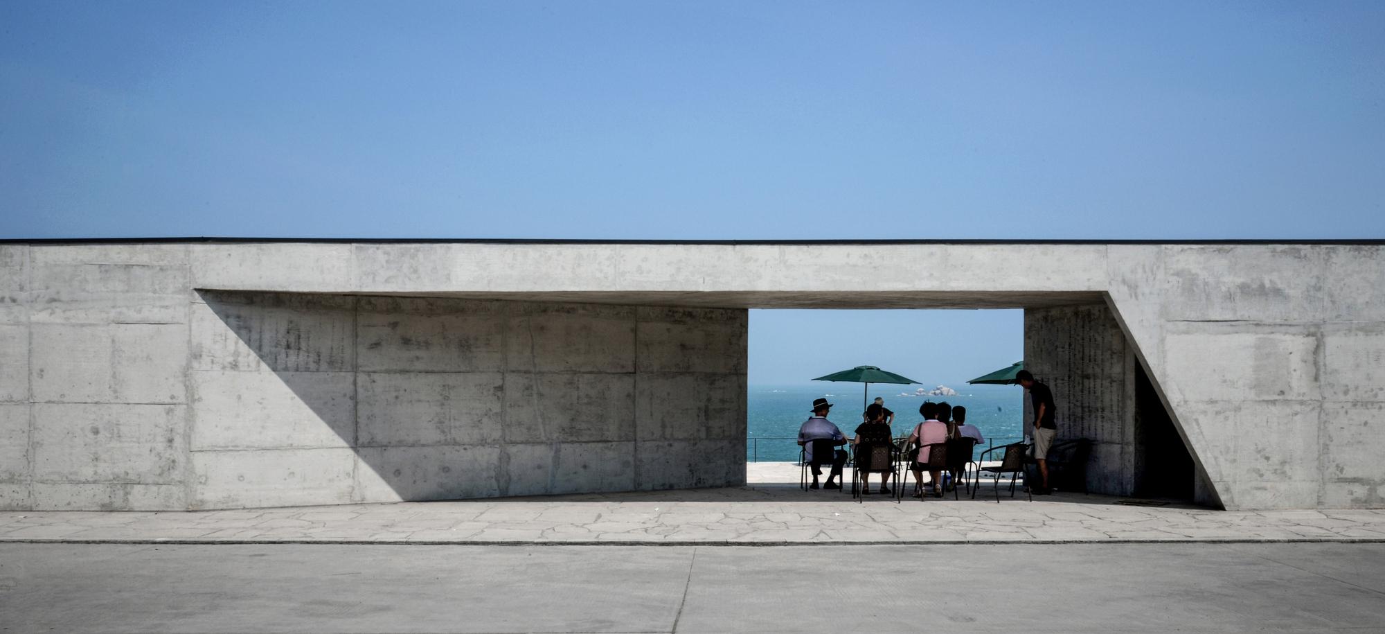 Abstract Gallery / Yin Peiru Architecture Studio