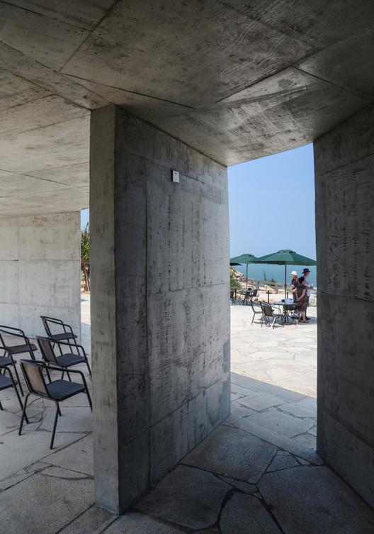 Looking eastward in Leisure pavilion. Image © Peiru Yin
