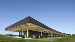 A High-End Golf Clubhouse / Architecture49