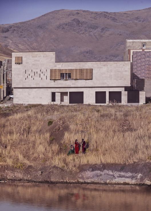 Kamyaran House / Rashed Azizi, Mohammad Kazerani