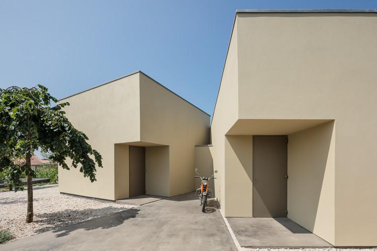 Edifício de escritórios em Arada / Nelson Resende, © João Morgado