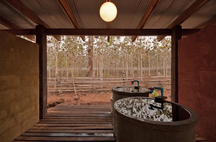 Baños Públicos: ejemplos de arquitectura en planta y sección, © Pasi Alto