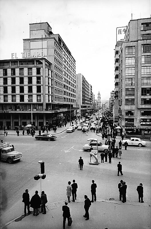 Bogotá, según la fotografía de Armando Matiz, Bogotá. Image © Archivo de Bogotá