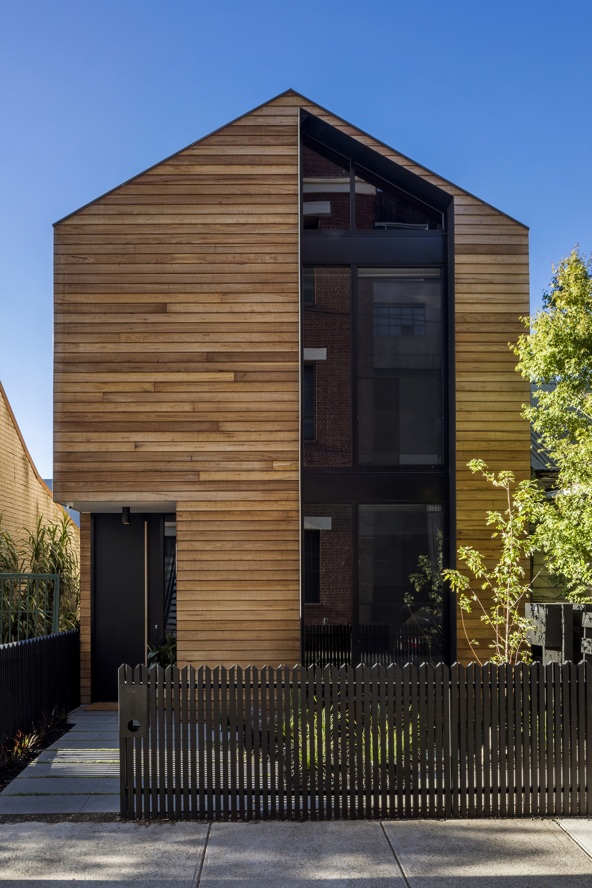 Residencia T2 / fyc architects