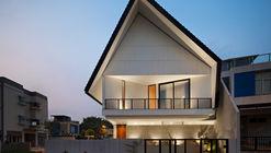 Casa de Montana / Studio Lawang