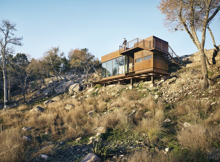 Mirador Clear Rock / Lemmo Architecture and Design, © Casey Dunn